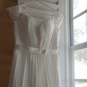 Brand New Ivory Wedding Dress, Size 10
